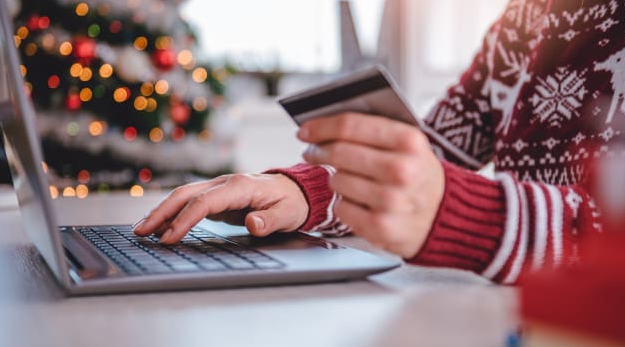 You can easily track your credit cards to keep them safe